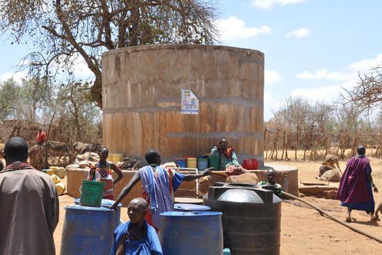 Der alte Brunnen mit Speichertank - Wasser für ca. 10.000 Menschen